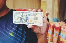 Falschgeld zum Verbrennen