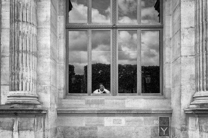 Im Fenster vom Louvre