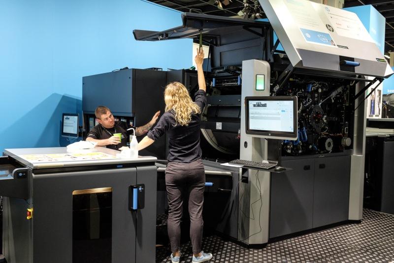 Sehr großer HP-Drucker